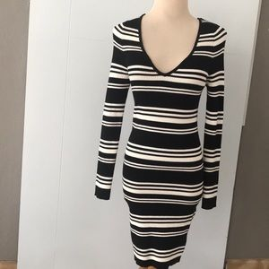 Kendall & Kylie Black and White Sweater Dress/M